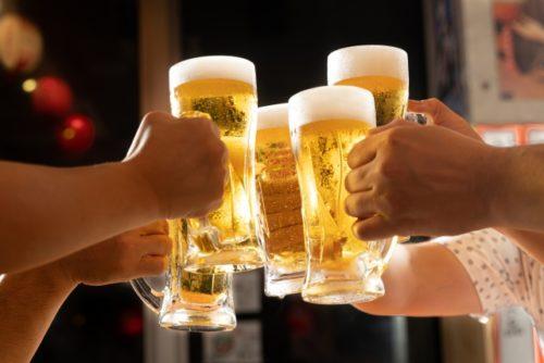 お酒で乾杯